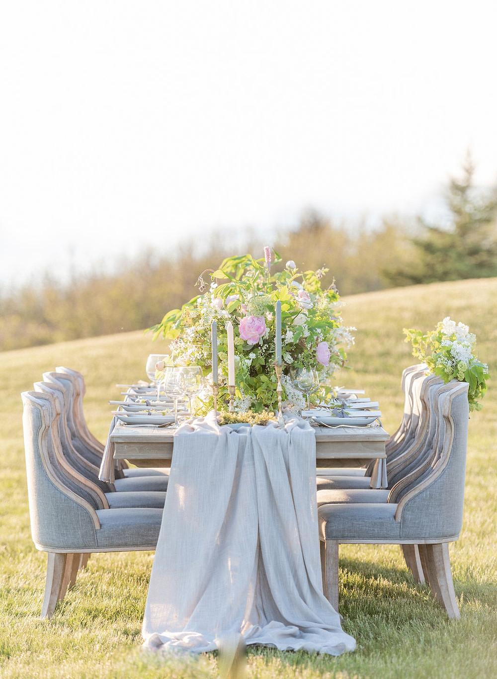 wedding table canada flowers decor