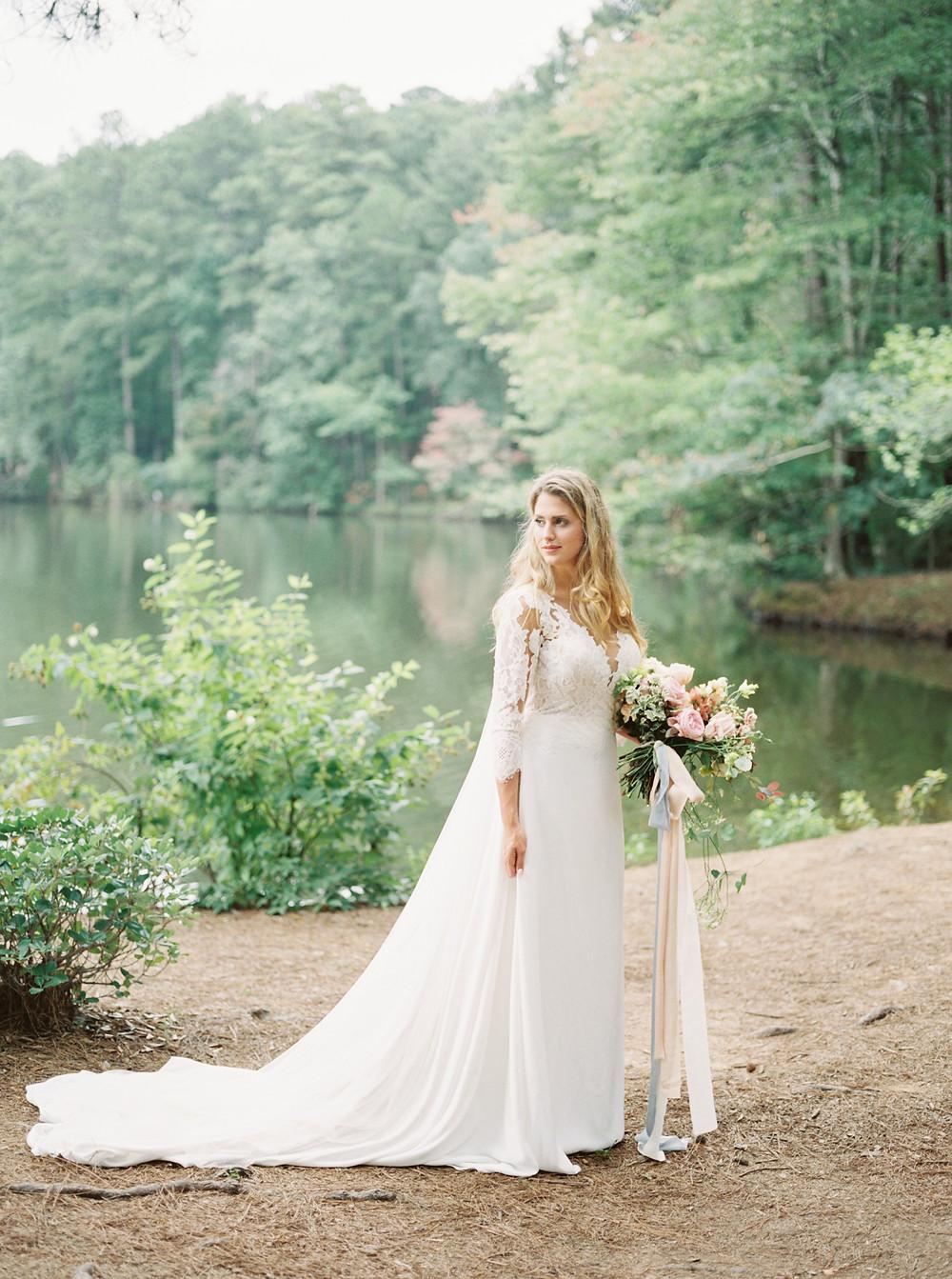 bride , bouquet, aldridge gardens birmingham al