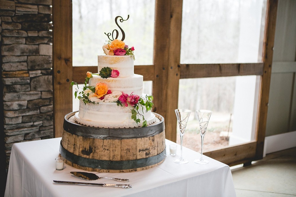 al planner wedding cake