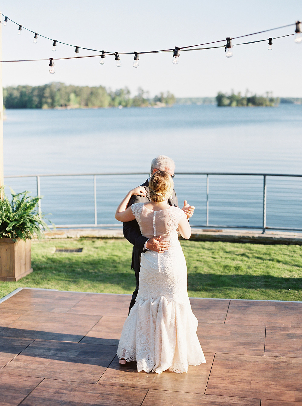 bride , father dancing, lake martin, al, coordination