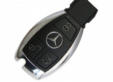 Mercedes. 3-х кнопочный,  433 MHz.