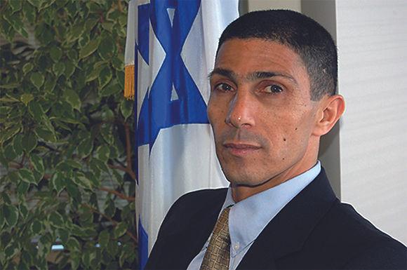 So der Muslim, Bedouine  und israelische Diplomat,  Ishmael Khaldi.
