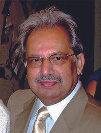 """Schreibt Taschbi Sayyed, Pakistani, schiitischer Muslim, Chefredakteur der Zeitung """"Pakistan Today"""", Mitarbeiter der Pakistan Television Corp. und Autor mehrere politisch-analytischer Bücher."""