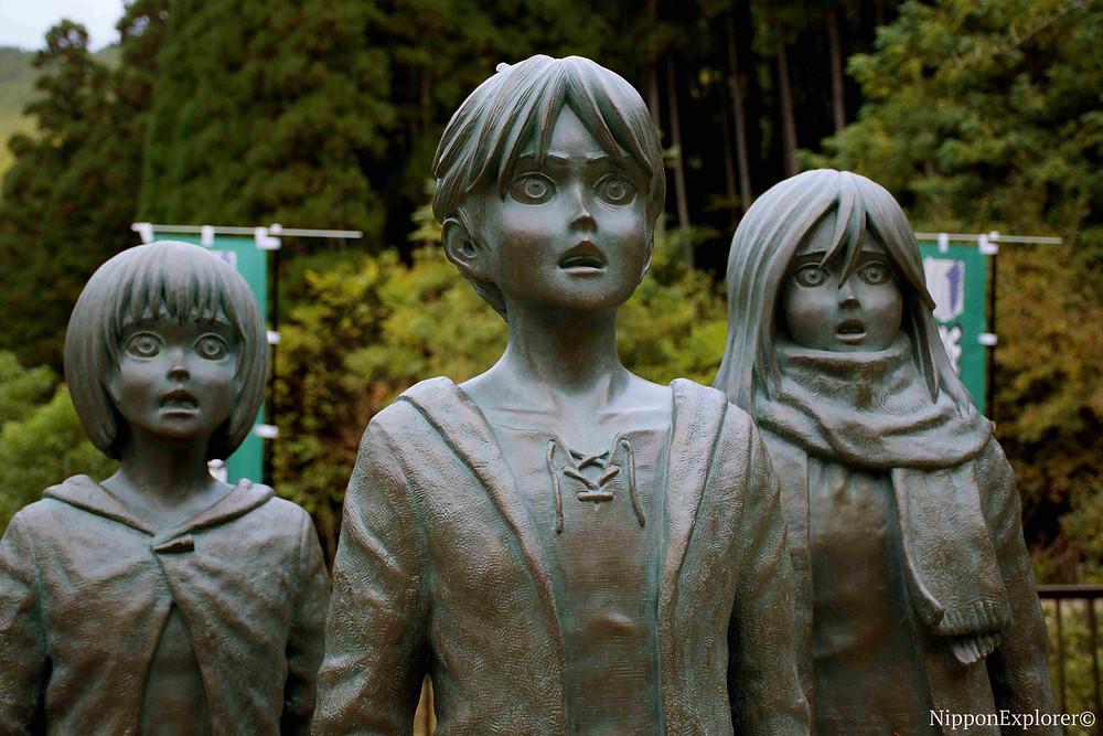 SNK attaque des titans Shingeki no kyojin statues japon