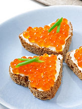 sandwich-with-red-caviar-form-heart.jpg
