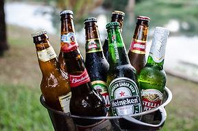 beers-2447512_1920.jpg