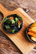 delicious-mussels-in-plate.jpg
