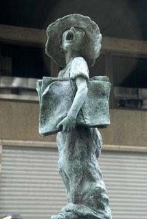 Pequeno Jornaleiro, escultura no centro do Rio