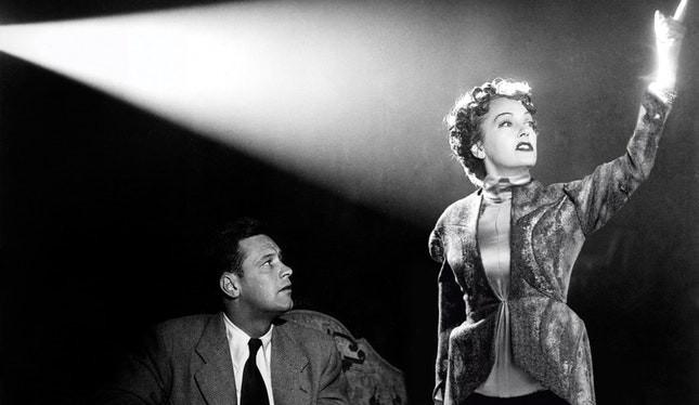 Gloria Swanson e William Holden in Sunset Boulevard
