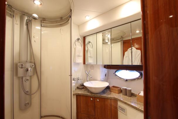 Sunseeker_Luciano_Master_Bathroom