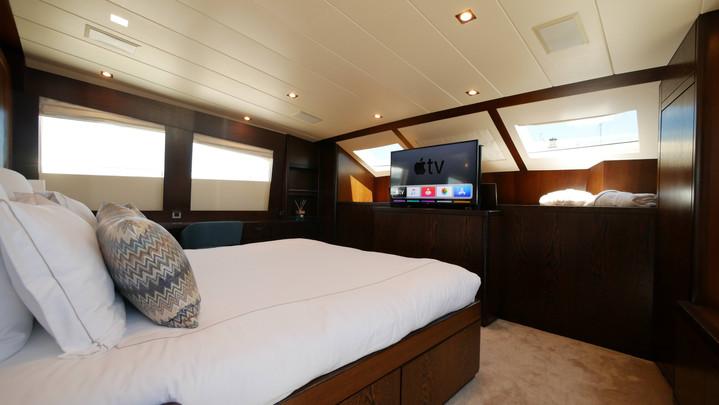 VIP - main deck