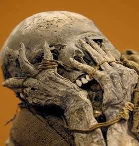 Múmias: agora é cinza
