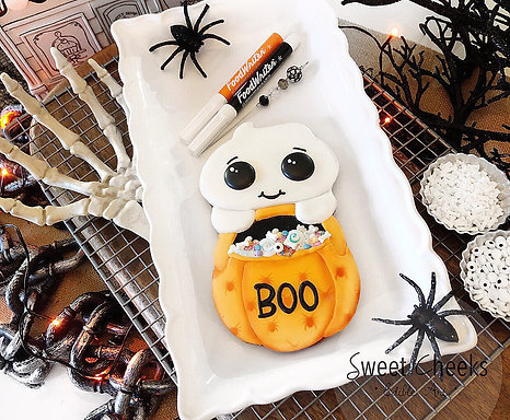 """:::BOO::: In-PERSON """"Edible Art"""" Decorating Workshop Tuesday Oct. 26th 6-8:30PM"""