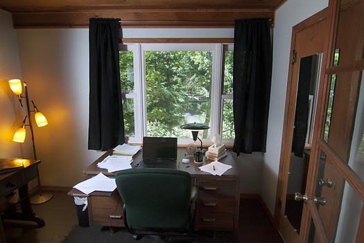Muse 1 writing room