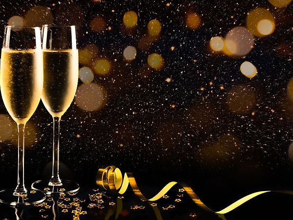 1_Two-glasses-of-champagne-with-golden-c