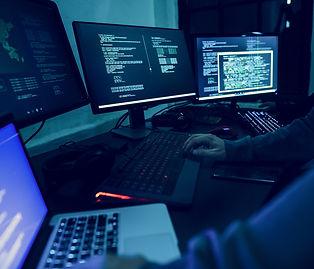 diverse-computer-hacking-shoot-PG5V9U3-min.jpg