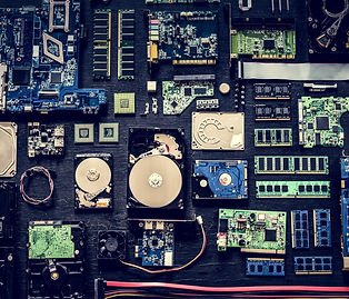 computer-hardware-parts-flat-lay-PQ657WZ_2-min.jpg
