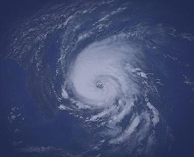 Hurricane_Dennis_(1999)_GOES_2_edited.jp
