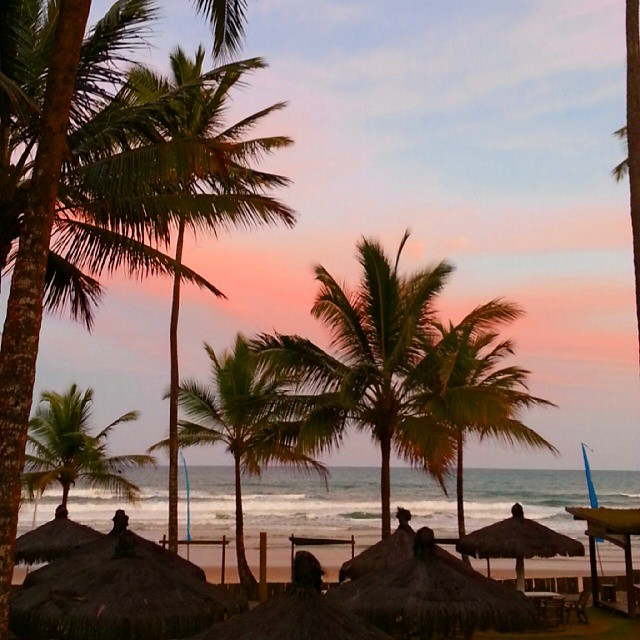 Por do Sol e coqueiros Itacarezinho