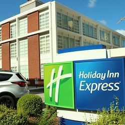 HolidayExpress-1.jpg