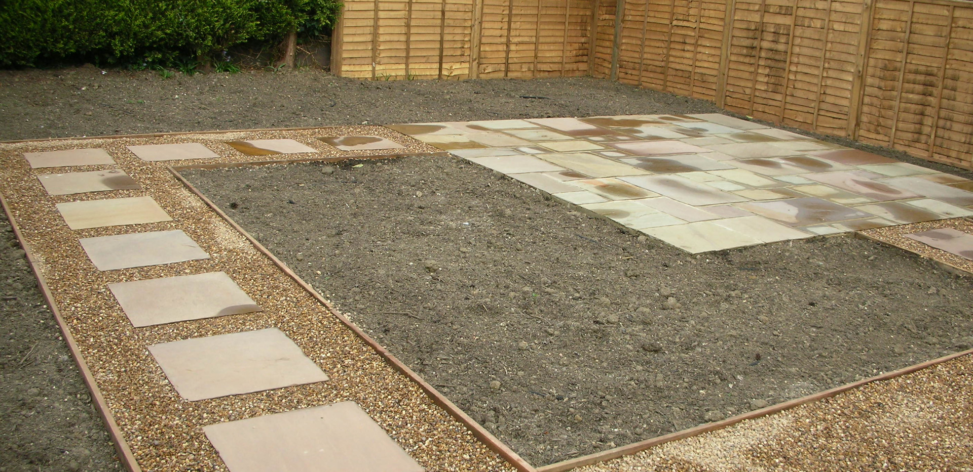 Raj Sandstone Paving, 10mm Shingle, Soil Mix & Fence Panels