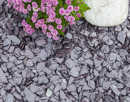 A beautiful natural blue slate, with pieces of plum, grey and green intermingled.Blue slate is an ideal aggregate for all driveways, garden borders and paths. Offering you a bulk aggregate solution for your garden and landscaping requirements. Long lasting and low maintenance.  Ideal Uses: - Driveways & Paths - Alpines & Rock Gardens - Borders & Beds  Note: This is best laid 3-4cm deep and deeper on drives. It will settle and lay very flat very quickly.  The actual size ranges between 5-30mm.
