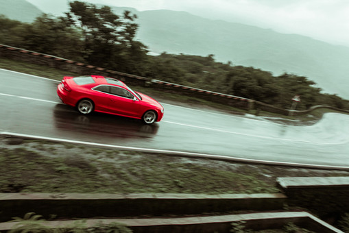 Audi RS5 (2).jpg