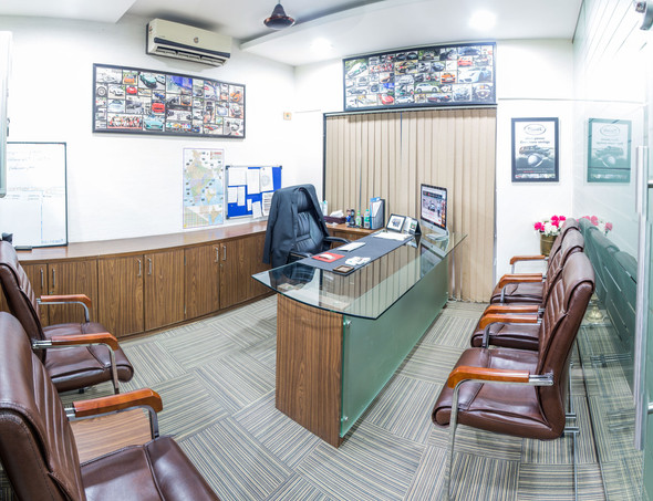 Alex Office_Panorama1.jpg