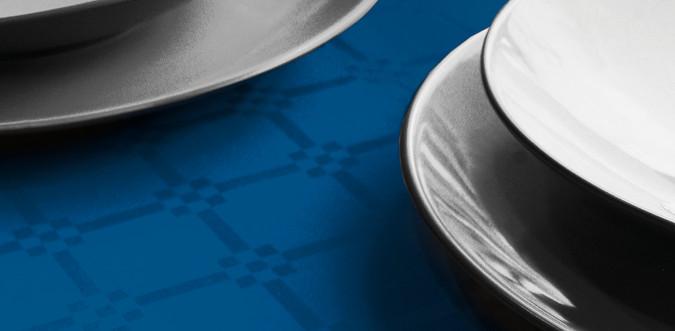 Dettaglio tovaglia in carta damascata - Blu