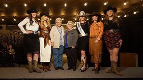 FS-Arlene and Lynn Olsen with contestant