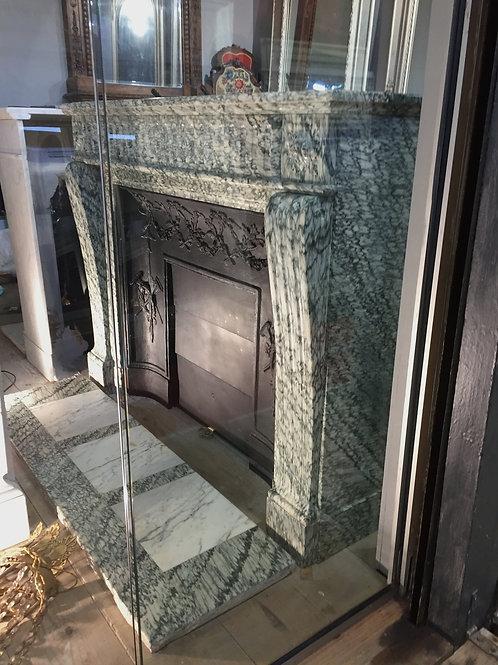 Cheminée ancienne de Style LOUIS XVI en marbre vert d'estours.