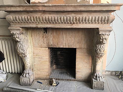 Grande Cheminée ancienne en pierre XVIIIéme Siécle.