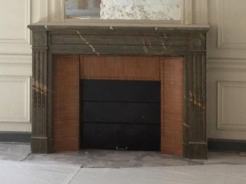 Cheminée ancienne de style LOUIS XVI en marbre vert.