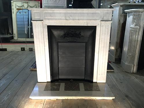 Petite Cheminée ancienne de style LOUIS XVI en marbre blanc.