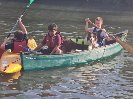 Cubs go Canoeing!