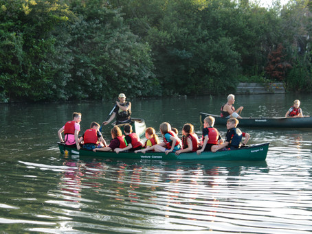 Canoedeling down the canal......
