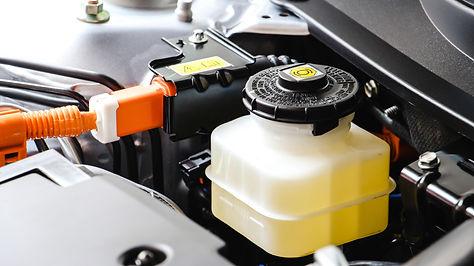 close-up-brake-and-clutch-fluid-car-main