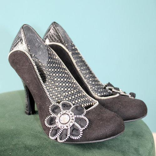 Ruby Shoo - buty szpilki z kwiatkiem jak lata pięćdziesiąte