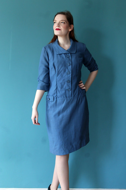 Lata pięćdziesiąte - błękitna sukienka biurowa bawełniana z guzikami