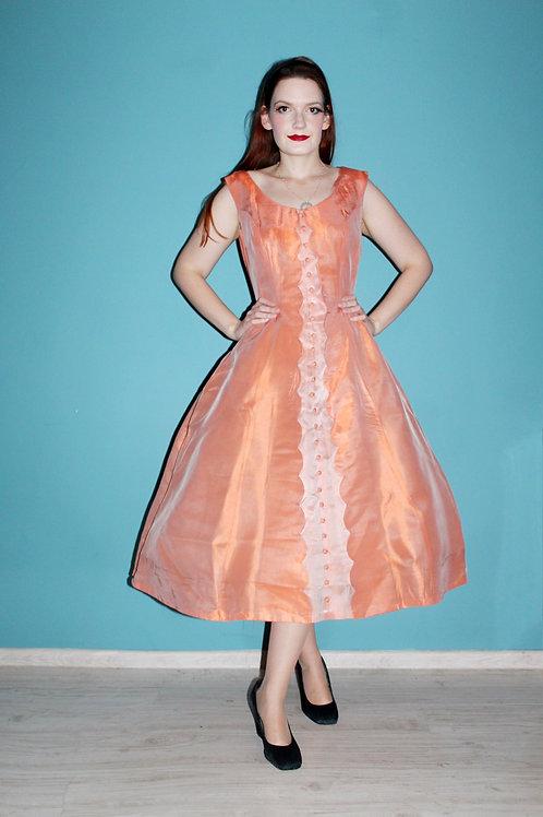 Lata pięćdziesiąte - rozkloszowana pomarańczowa sukienka z guziczkami acetat