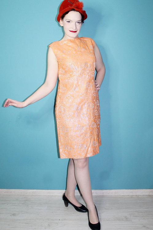 Lata sześćdziesiąte - trapezowa pomarańczowa mod dress ze srebrną nicią