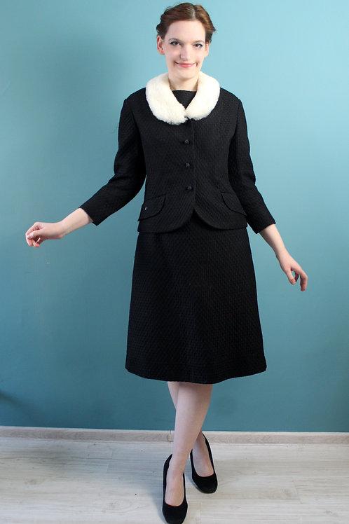 Lata sześćdziesiąte - komplet sukienka i żakiet czarna z futerkiem mod