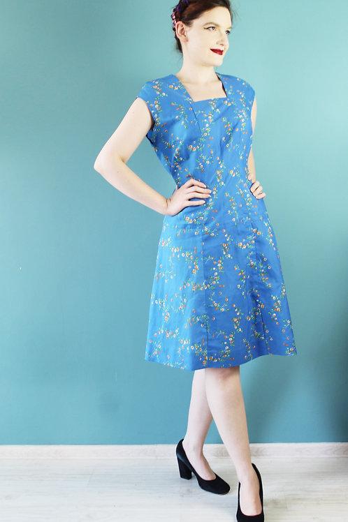 Lata sześćdziesiąte - kwiecista stylonowa sukienka w kwiaty niebieska