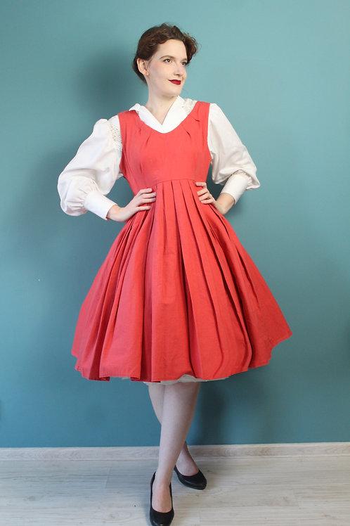 Lata sześćdziesiąte - rozkloszowana bawełniana sukienka łososiowa