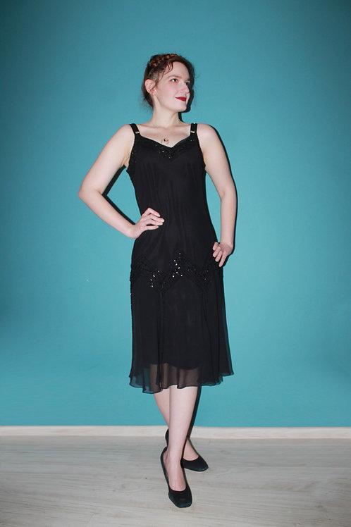 Jak lata dwudzieste - sukienka z cekinami na cienkich ramiączkach