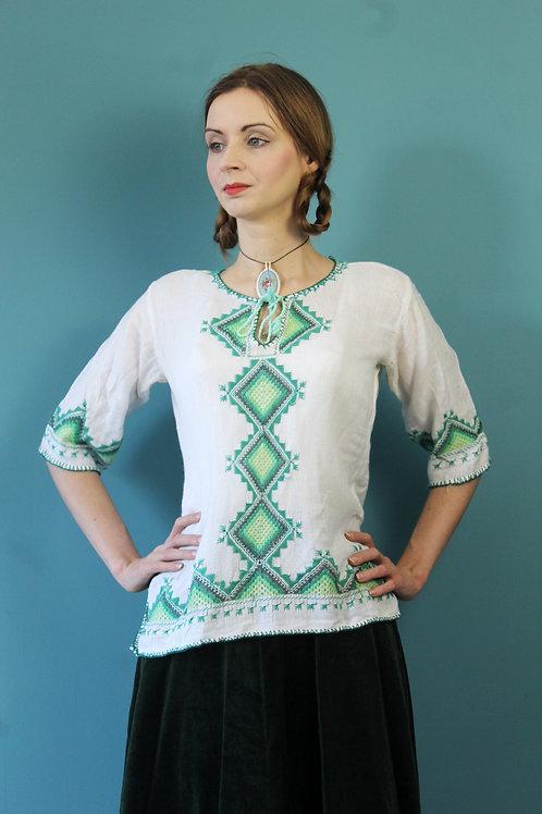 Lata siedemdziesiąte - białoruska folkowa tunika haftowana