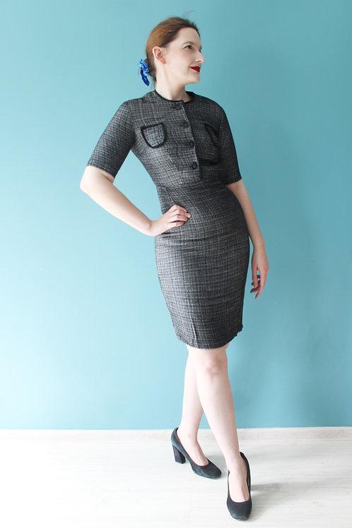 Lata pięćdziesiąte - jesienna wełniana ołówkowa sukienka w pepitkę