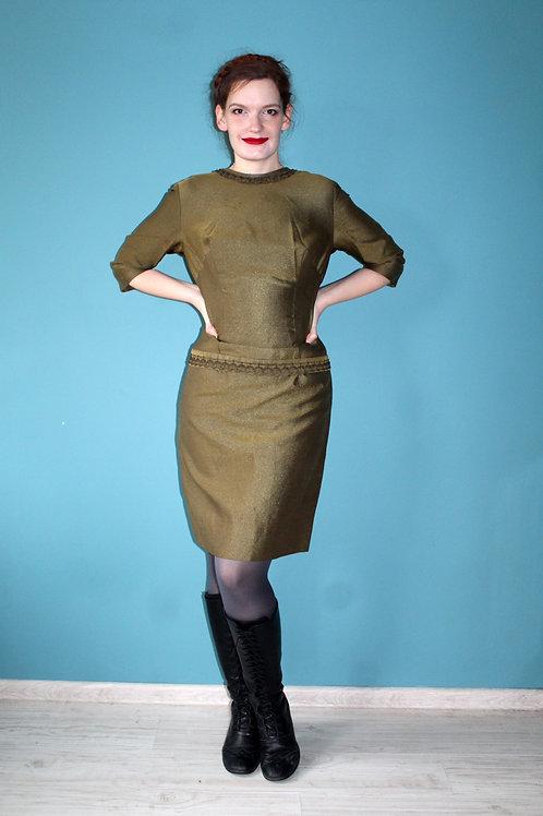Lata sześćdziesiąte - sukienka ołówkowa brudne złoto acetat