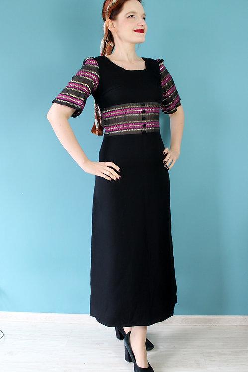 Lata siedemdziesiąte maxi sukienka czarna z panelami