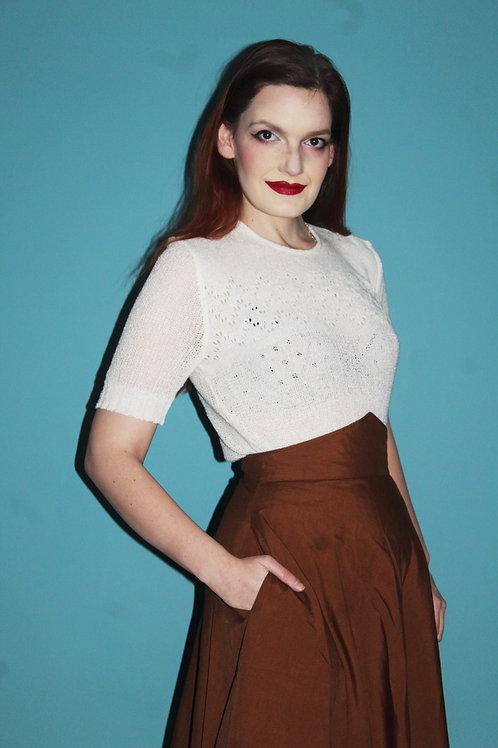 Lata pięćdziesiąte ażurowy biały sweterek z zamkiem z tyłu
